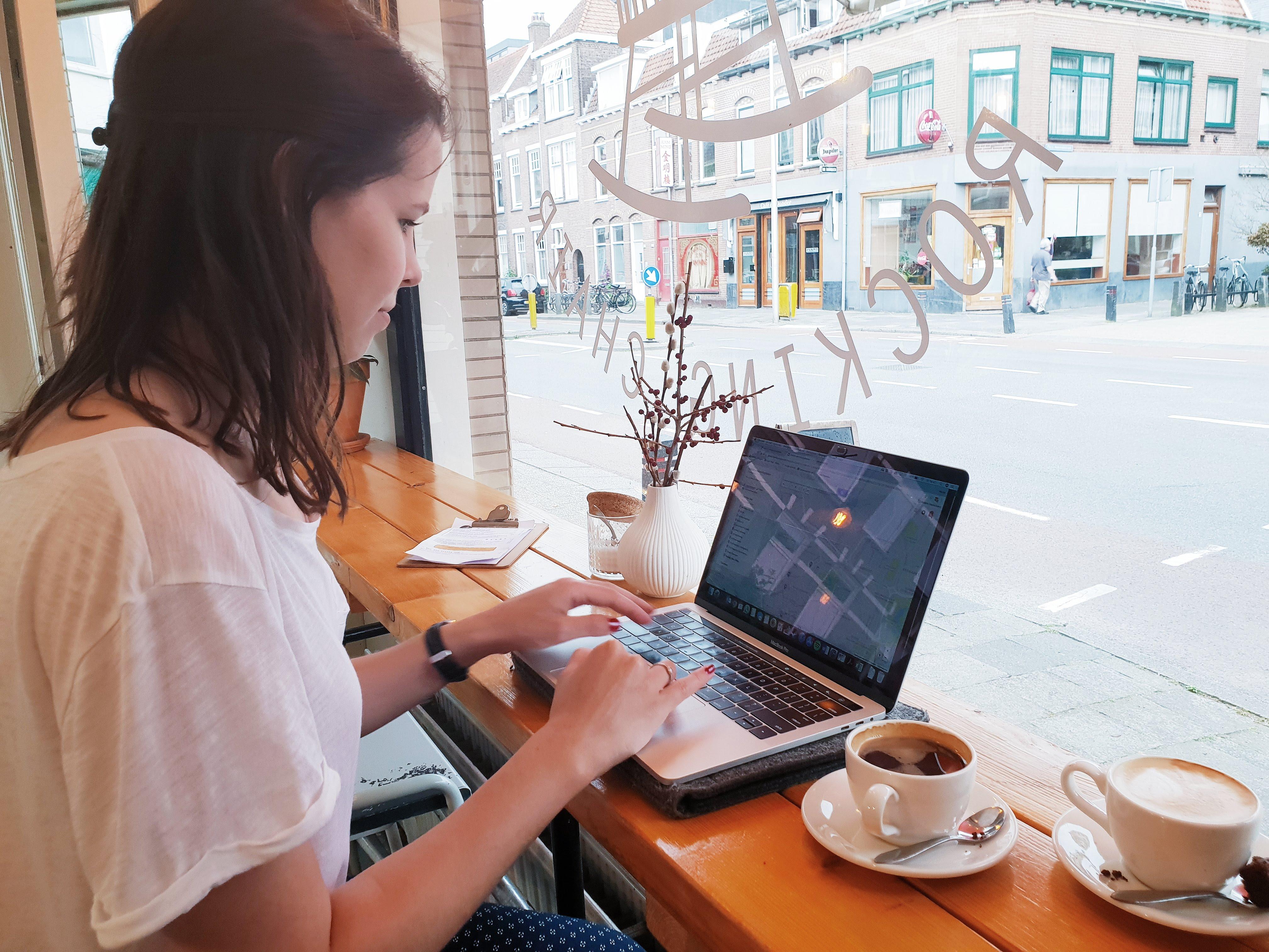 Stop met zakelijk bloggen!
